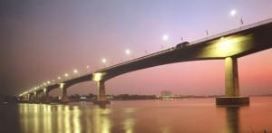Mekong Pont Laos